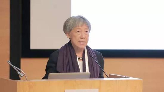 台湾著名艺术家吴玛悧发言